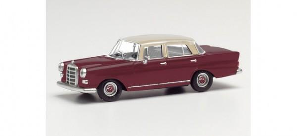 Herpa Mercedes 200 Heckflosse rot/creme (430739)