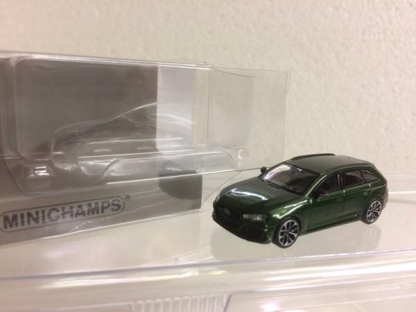 Minichamps Audi RS4 Avant (2018) grün-met. (870018210)