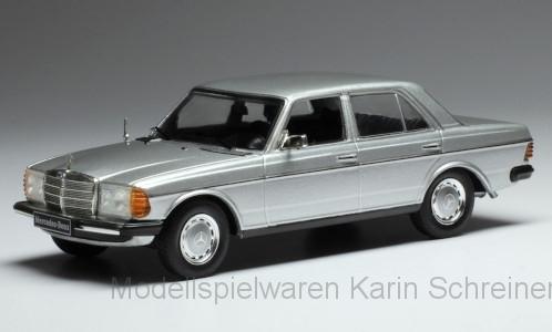 IXO Mercedes 200 D (W123) silber (CLC340)