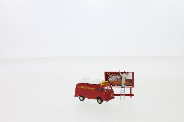 """Brekina VW T2 Kasten """"Circus Krone Reklame"""" mit Figur (33547)"""