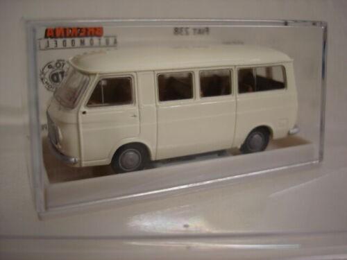 Fiat 238 Bus, weiß in TD (34400)