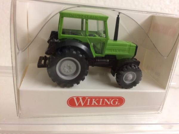 Traktor Deutz-Fahr DX 4.70 Schlepper apfelgrün